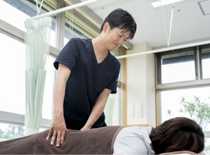 腰への施術